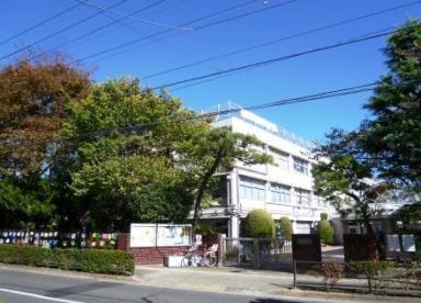 世田谷区立松丘小学校の画像1