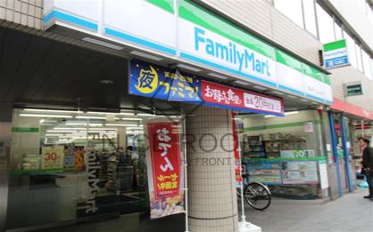 ファミリーマート 青山オーバルビル店の画像1