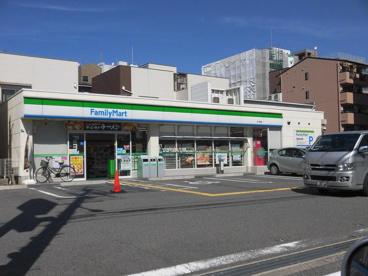 ファミリーマート 木川西店の画像1