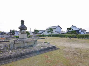 叡尊五輪塔(奈良県指定重要文化財 西大寺五輪塔)の画像1