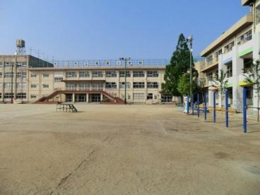 市川市立鬼高小学校の画像1