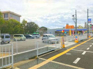 ローソン岸和田土生町一丁目店の画像1