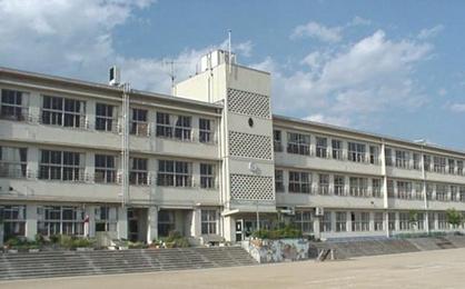 豊中市立上野小学校の画像1