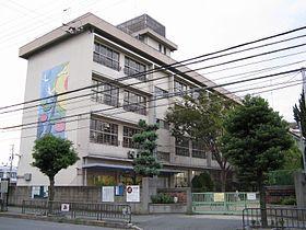 豊中市立小曽根小学校の画像1
