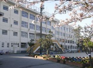 市川市立塩焼小学校の画像1