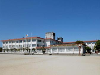 近江八幡市立桐原東小学校の画像1