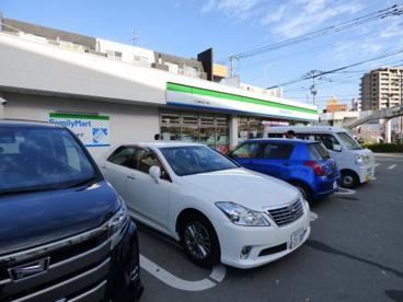ファミリーマート 福岡井尻六ツ角店の画像1