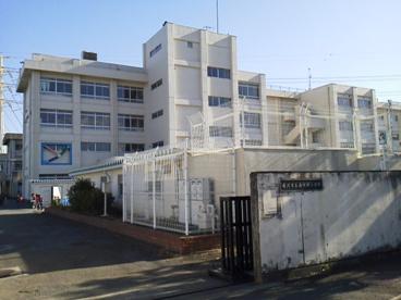 藤沢市立滝の沢小学校の画像1