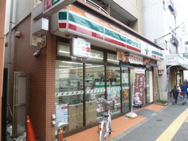 セブンイレブン 杉並高井戸駅前店の画像1