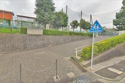横浜市立名瀬小学校の画像1