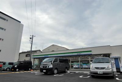ファミリーマート 小野原東の画像1