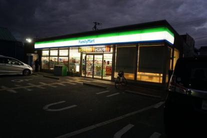 ファミリーマート天理田井庄町店の画像2