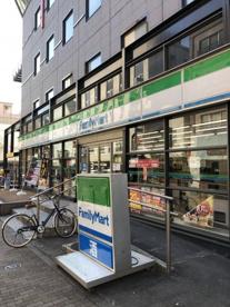 ファミリーマート 六本木六丁目店の画像1