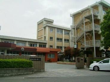 和歌山市立紀之川中学校の画像1