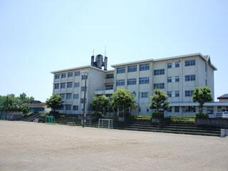 藤枝市青島北中学校の画像1