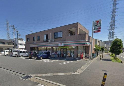 セブンイレブン 鳩ケ谷里店の画像