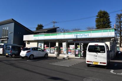 ファミリーマート 立川四中前店の画像1