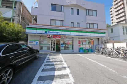 ファミリーマート 甲陽園駅前店の画像2