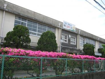 寝屋川市立第三中学校の画像1
