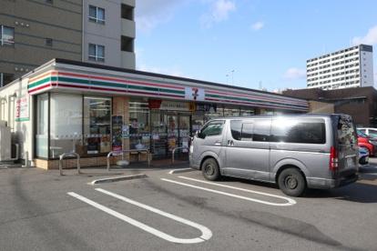 セブン-イレブン 神戸七宮町2丁目店の画像1