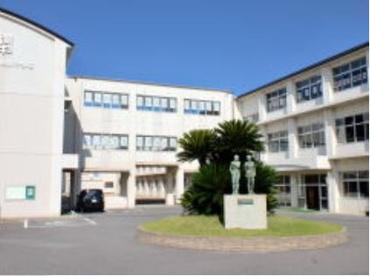 西尾市立鶴城中学校の画像2