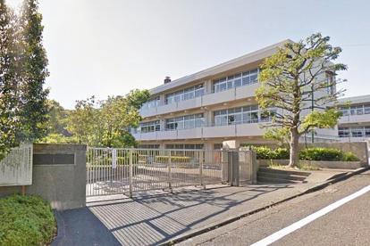 横浜市立新石川小学校の画像1