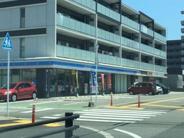 ローソン 福岡原六丁目店の画像1