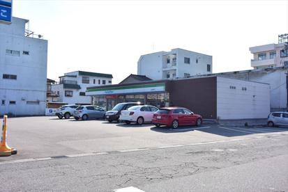 ファミリーマート 富山東町店の画像1