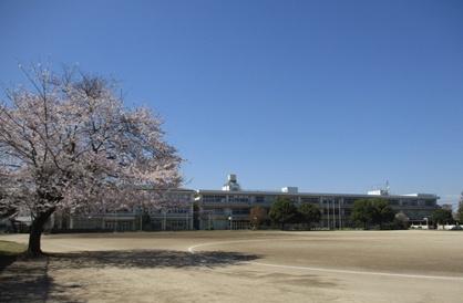 成田市立遠山中学校の画像1