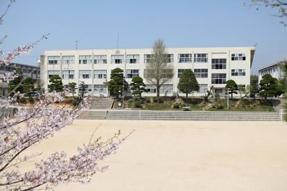 宇部市立厚南中学校の画像1