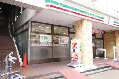 セブンイレブン 京成大久保駅前店の画像1
