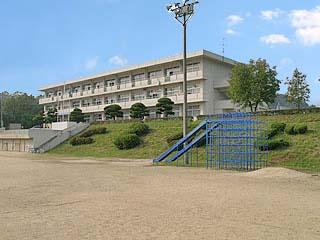 西藤小学校の画像1