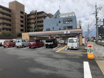 セブンイレブン山科外環小野店の画像1