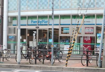 ファミリーマート湊川駅前店の画像1