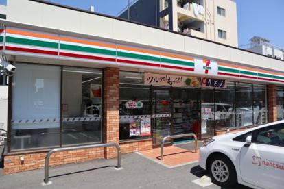 セブン-イレブン 神戸湊川インター店の画像1