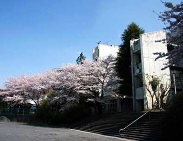 稲城市立稲城第二中学校の画像1