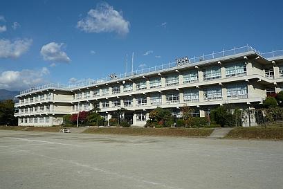 南アルプス市立若草小学校の画像1