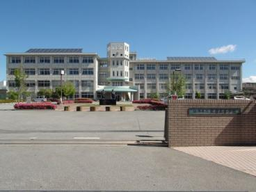 山梨県立巨摩高校の画像1