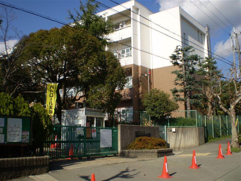 萱野東小学校の画像