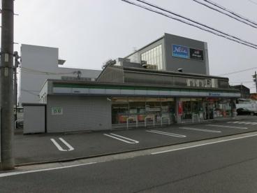 ファミリーマート港築盛店の画像1