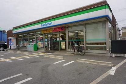 ファミリーマート天理田井庄町店の画像1