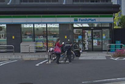 ファミリーマート 江東有明店の画像1