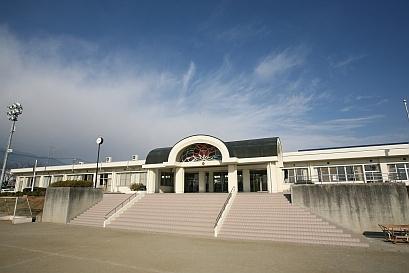 南アルプス市立白根百田小学校の画像1