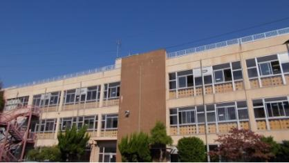 草加市立川柳中学校の画像1