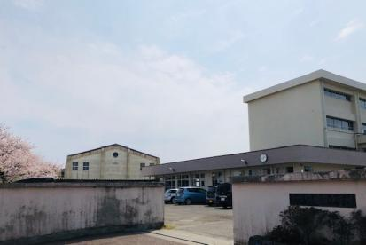 茅ヶ崎市立鶴嶺中学校の画像1