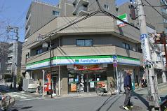 ファミリーマート 四谷若葉店の画像1