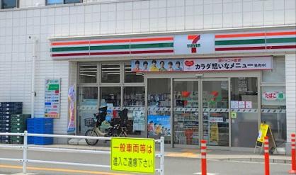 セブンイレブン/鶴瀬駅東口店の画像1