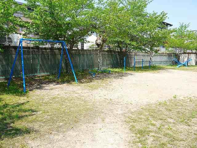 奈良阪町児童公園の画像