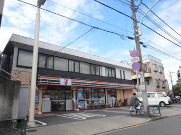 セブンイレブン 本木店の画像1