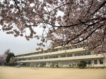 春日部市立内牧小学校の画像1